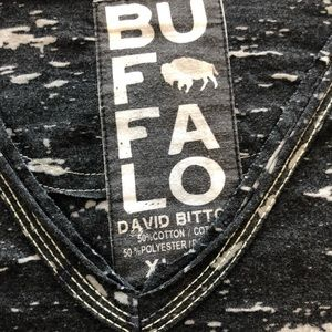 Men's Buffalo graphic tee